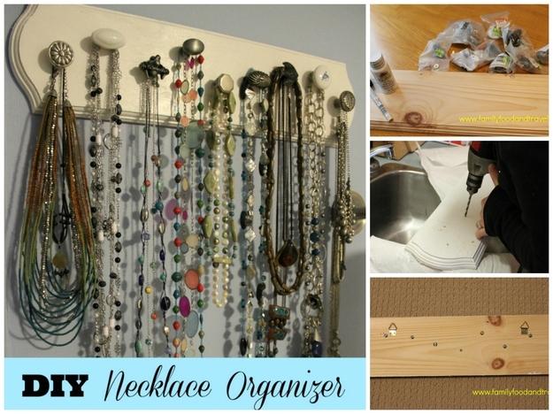 Organizador de colares feito de puxadores